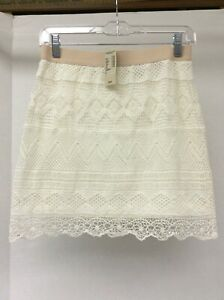 NWT American Eagle Outfitters Ivory Crocheted Lace Mini Skirt Sz 2, fully lined