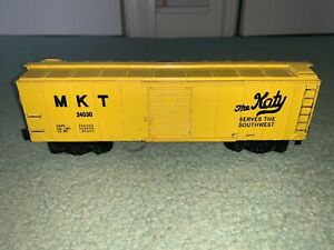 American Flyer #24030 MKT Box Car RARE PAINTED yellow version, pike master