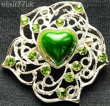 NEW SILVER FLOWER HEART GREEN CRYSTAL FAUX PEARL BROOCH WEDDING GIFT BROACH UK