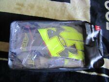 BNWT Under Armour Goalkeeper Soccer Gloves Size 8