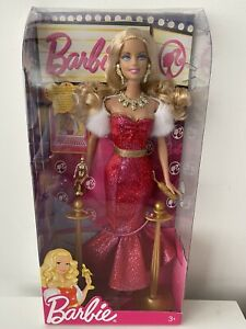 BARBIE - BARBIE I CAN BE DOLL MOVIE STAR WITH UNIQUE ONLINE CONTENT MATTEL 2009