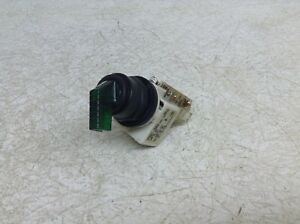 Square D 9001KM1 Green Illuminated 2 Position Maintained Selector 9001 KM1 KA1
