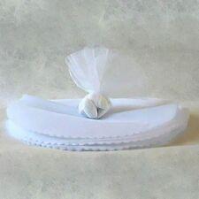 25 ronds tulle blanc festonné, diam: 24 cm, ballotin dragées.