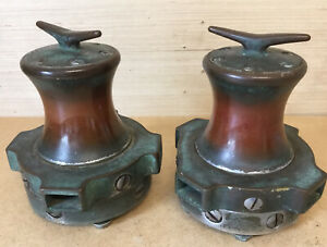 FANTASTIC LOOKING PAIR OF VINTAGE BOAT ROPE CAPSTANS / WINDLASS WITH CLEATS