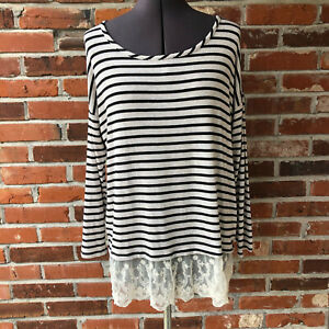 A Pea in the Pod Striped Top Lace Trim Sz. M 3/4-Sleeve Scoop-Neck Maternity
