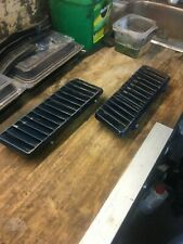 1970-71 PONTIAC FIREBIRD FORMULA FENDER LOUVERS VENTS SCOOPS PAIR ORIGINAL