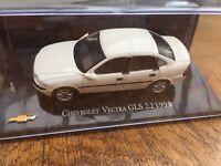 MAG JQ24 CHEVROLET VECTRA GLS 2.2 diecast model road car white 4 door 1998 1:43