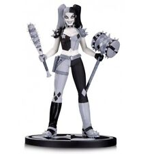 DC Direct Statue Harley Quinn Batman Black and white by Amanda Conner
