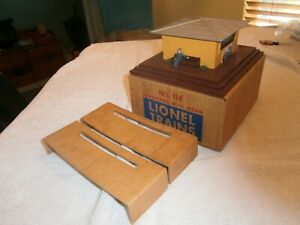LIONEL POSTWAR VERY NICE 114 OPERATING NEWS STAND W/ HORN CIRCA 1957 NEW  C-9