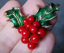 LOVELY BOUCHER EMERALD GREEN GUILLOCHE HOLLY LEAVES RED MOVEABLE BERRIES BROOCH