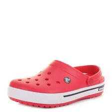 Crocs Flache Sandalen und Badeschuhe für Damen