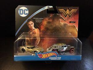 2017 Hot Wheels Wonder Woman Exclusive Vehicle Character Car Set NEW VHTF