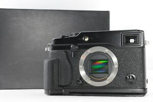 [MINT] Fujifilm X-Pro1  16.3M Body Black  w/Grip MHG-XPRO  (M582)