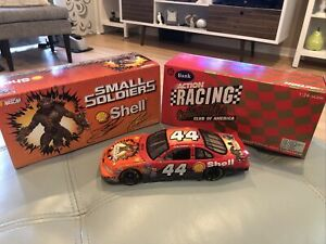 TONY STEWART NASCAR 1998 SMALL SOLDIERS 1/24 ACTION DIECAST CAR AND BANK (ca)