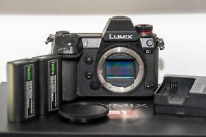 Panasonic LUMIX DC-S1 with V-Log (Body Only)