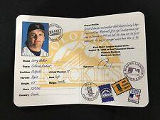 "New listing LARRY WALKER INSERT ""PASSPORT TO THE MAJORS"" CANADA 1997 PINNACLE BASEBALL CARD"