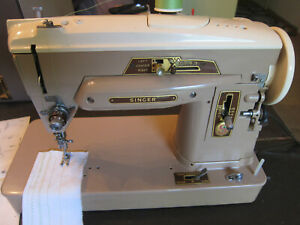 Singer Sewing Machine 403A with Hard Carry Travel Case - Serviced Clean