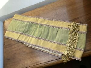 A VINTAGE FRENCH ECCLISIASTICAL / CLERGY STOLE IN WATERED SILK