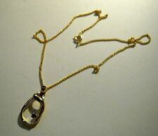 Collar En Tono Oro Cadena De Metal Con Bonito Colgante De Oro Con Piedra Negra