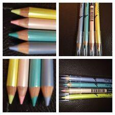 Kohl couleur pastel crayon eyeliner bleu jaune rose et lilas & Marron