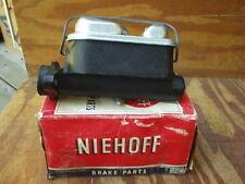 1967 Ford Pick-Up Truck F-100 F-250 brake master cylinder Niehoff MC-64854 NOS!