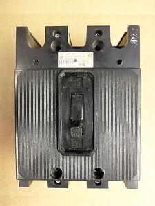 ITE SIEMENS EE3 EE3-B050 3 pole 50 amp circuit breaker Flawed ET-1575