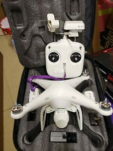 DJI Phantom 2 Vision Drone - with backpack 2 tired batteries spare props