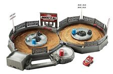 Disney Pixar Cars Juguete Manivela & Crash Derby Pista de Carreras de coche Mini Racers Set Nuevo