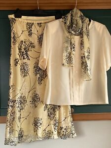 Jacques Vert Short Sleeve Top & Skirt & Scarf Spring Suit Size 16 Wedding Yellow