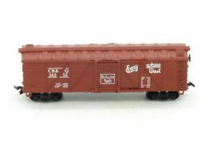 Life Like Trains 26216 C.B.& Q Burlington Route Outside Brace Wood Side Box Car