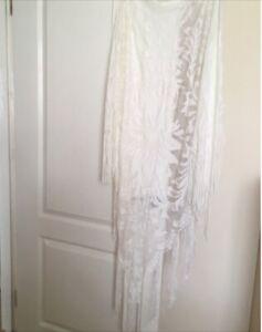 Beautiful Traditional Spanish Flamenco Fringed White Lace Shawl/Wrap.VGC.