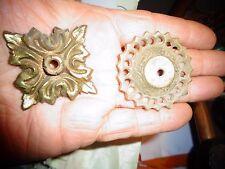 2 Anciennes Platines en Bronze idée Décoration pièce de Lustrerie Serrurerie