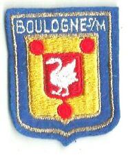 ECUSSON A COUDRE BOULOGNE SUR MER CYGNE BLEU/ JAUNE 62 PAS DE CALAIS 6X5 CM