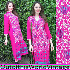 Vtg PINK INDIA CAFTAN pretty EMBROIDERED FLORAL robe dress ornate BOHO HIPPIE M