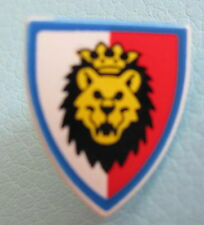 LEGO 3846p4d @@ Minifig, Shield Triangular with Lion Head, Red and White Backgro