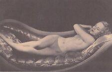 Historische Erotik-Ansichtskarte Ungelaufen Nackte Frau auf Kanape Blond Sexy