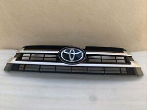 2018 Toyota Highlander OEM  Front Upper Grille Assembly radar emblem type