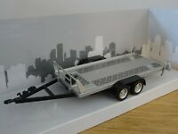 CARARAMA SILVER 2 AXLE FLATBED CAR TRANSPORTER TRAILER MODEL 157-002 1:43