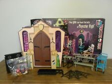 Monster High School Fold Out Doll House Play Set 2011 Mattel