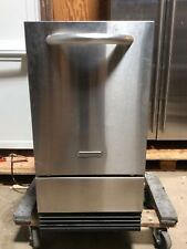 Kitchenaid KUIC18NNTS1 Ice Maker in Good Condition. Sold for parts or as-is.