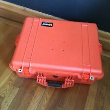pelican case 1600 orange with top and bottom foam inserts