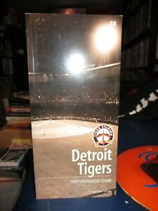 Mint! 1999 DETROIT TIGERS MEDIA GUIDE Last Year At Tiger Stadium 398 pgs