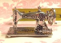 Dollhouse Miniature 1:12 Vintage Silver Metal Sewing Machine