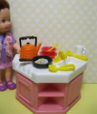 barbie KELLY SZ Doll PLAY KITCHEN SINK-STOVE/DISHES Furniture Preschool School