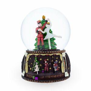 Spinning Nutcracker and Ballerina Dancing around Christmas Tree Musical Water