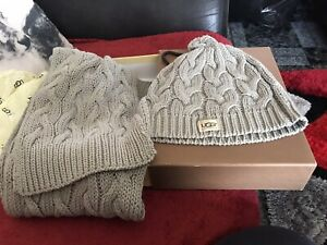 Ugg Grey Cable Knit Scarf & Hat Box Set