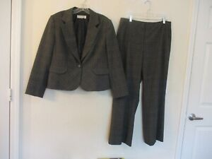 Tahari lined gray striped polyester blend stretch pant suit size 16P