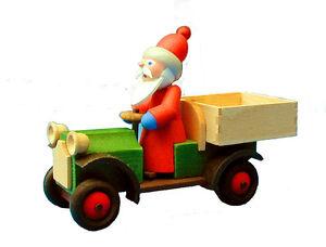 Auto mit Weihnachtsmann-Nicolaus mit Holzauto Gläßer-Seiffen Erzgebirge