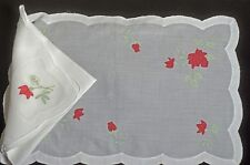 RED ROSES – MADEIRA EMBROIDERED LINEN 6 PLACEMATS & NAPKINS TT702