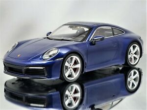 Minichamps Porsche 911 (992) Carrera 4S 2019 Gentian Blue Metallic 1:18